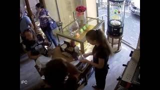 кража айфона в кафе