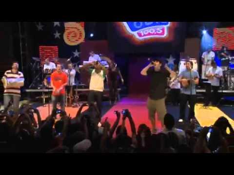 Jeito Moleque E Thiaguinho - A Amizade é Tudo - DVD FM O DIA 2011