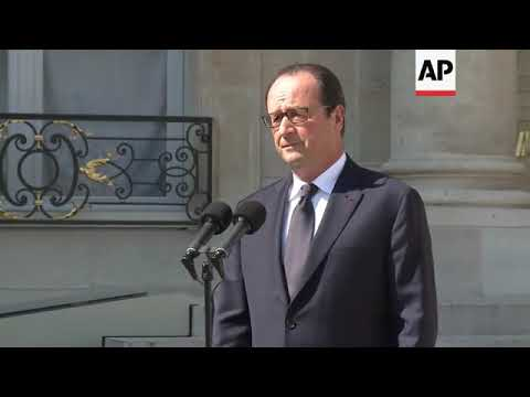 French president says no survivors in Air Algerie wreckage in Mali, 1 black box found