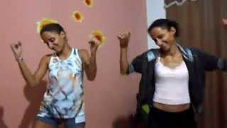 Dança do pintinho piu ! ♪