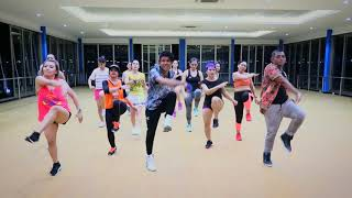 Zumba Dangdut Selow  - Nella Kharisma (Versi Remix)(Choreography) At Global Studio Balikpapan