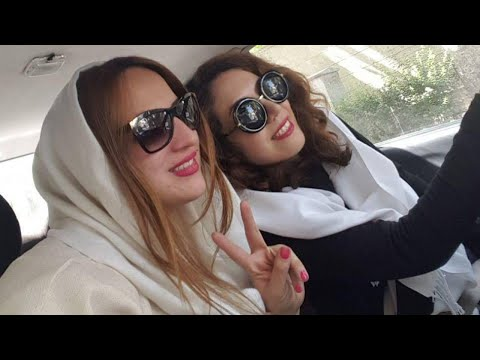 Iranian women protest head-covering law