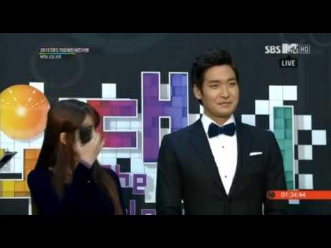 121229 IU & Jung Gyu Woon Redcarpet