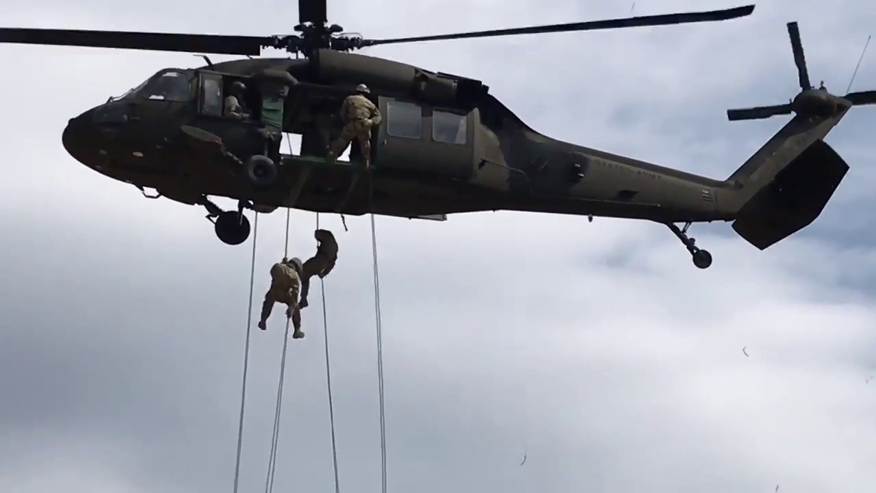 US Military –  Air Assault Course Helicopter Rappel