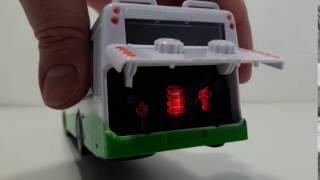 Урчание моторчика игрушечного автобуса