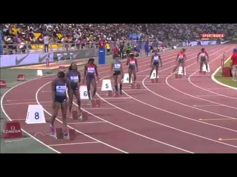 Allyson Felix Runs WL Time 21.98 Doha 2015.