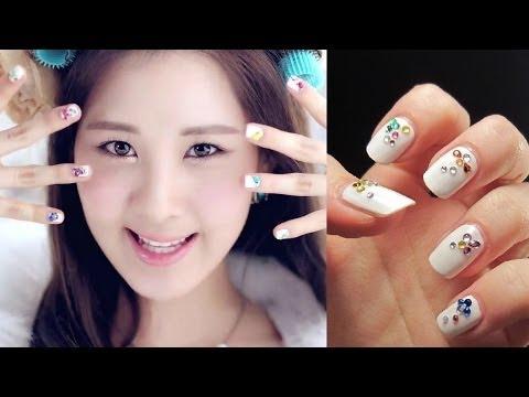 TaeTiSeos Seohyun Twinkle Nails