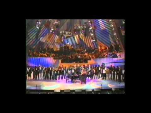 Whitney Houston and Dionne Warwick live 1990 - That's What Friends Are For (HD)
