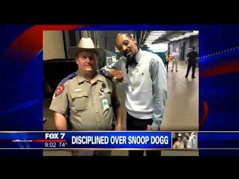 Texas DPS Trooper Punished For Taking Picture With Snoop Dogg