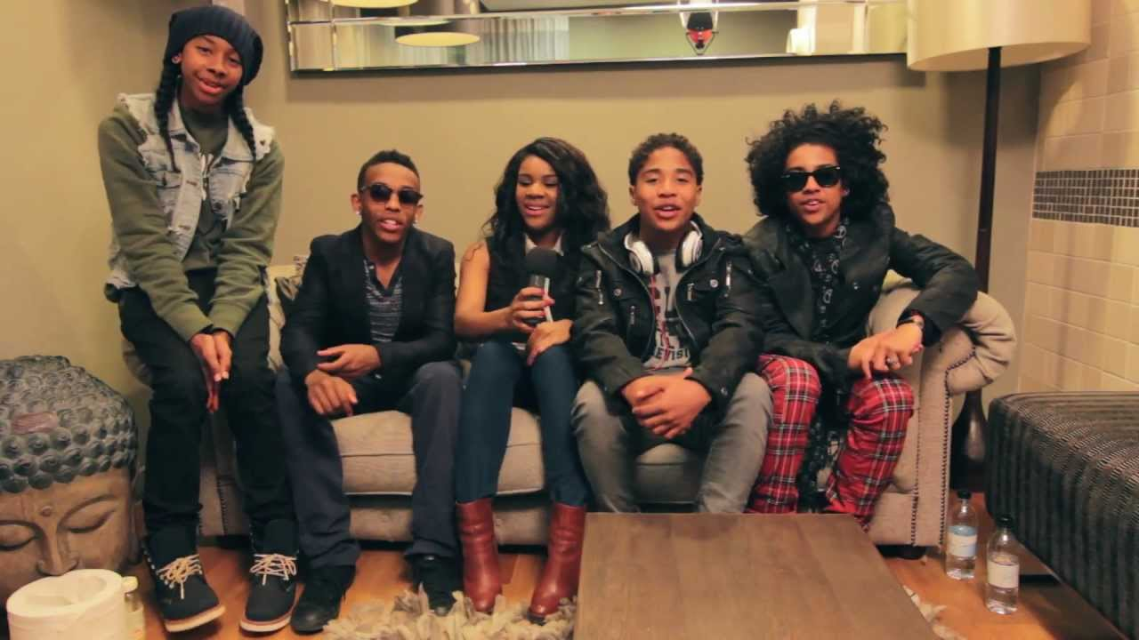 Mindless behavior dating a fan Lines & Marks