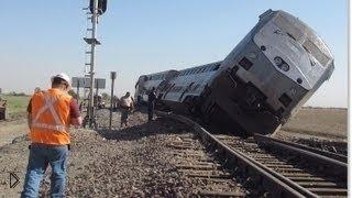 Страшные катастрофы: столкновения поездов(В этой подборке собраны самые жуткие и самые страшные аварии на железнодорожных путях. Катастрофы с поезда..., 2016-08-16T06:33:57.000Z)