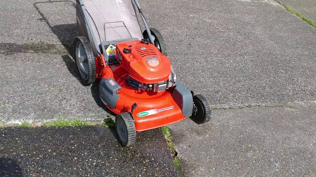 Self Propelled Scotts Mower With A Tecumseh 6 5 Hp