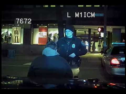 Seattle Police, cop punches suspect - incident starts 5:20, punches at 5:40