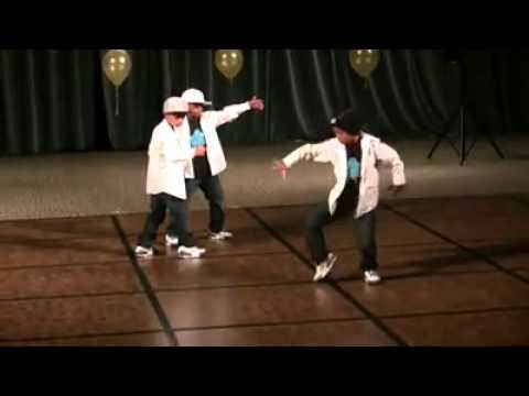 3 kid robot dance  awesome  YouTube