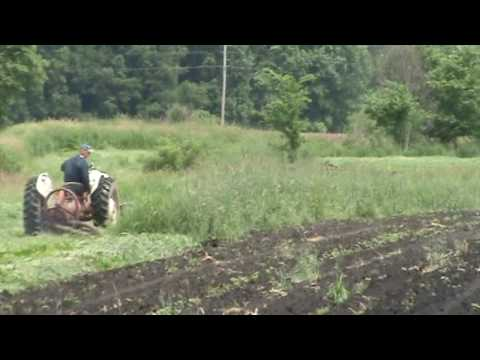 How a Sickel Bar mower works for mowing grass hay