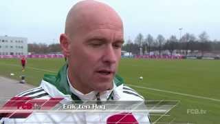 Erik ten Hag leitet das FCB-Training