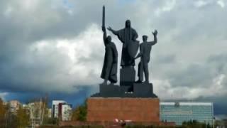 видео Пермь. Туристические маршруты, памятники, музеи, экстрим-парк, райский сад и салют на 9 мая