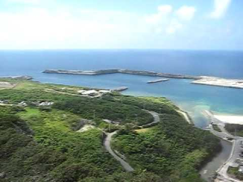 ティンダハナタ最上部から見る与那国島。