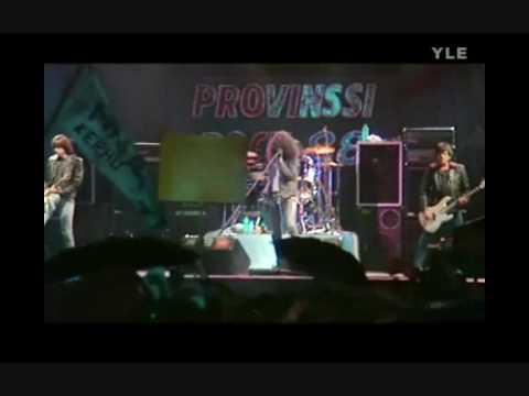 The Ramones - I Wanna Be Sedated (live 1988)