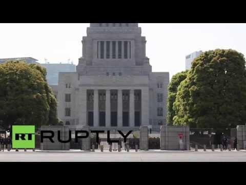 Japan: Obama sparks protests on Tokyo trip
