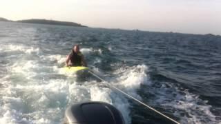 Surfer, oui... mais avec un Kayak BIC et un bon moteur !!!