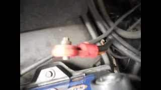 Video How to Side post car battery cable bolt repair if stripped GM vehicles download MP3, 3GP, MP4, WEBM, AVI, FLV Juli 2018