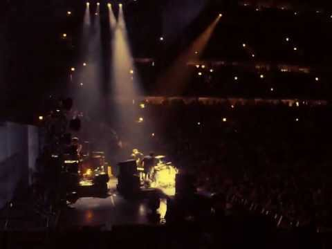 The Black Keys - Dead and Gone - Live at the United Center in Chicago