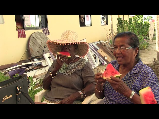 Winston Vyent viert jaardag met seniorenburgers