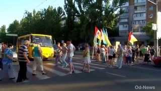 Одесситы перекрыли дорогу борясь с беззаконием.(, 2015-06-13T21:58:18.000Z)
