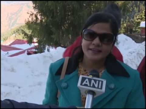 12 Feb, 2017 - Snow-trekking thrills tourists in India's northern Himalayan province