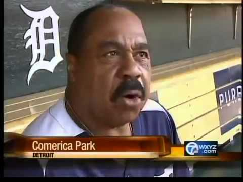 Willie Horton hosts baseball clinic