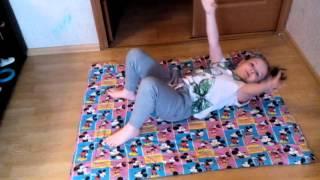 Гимнастика при компрессионном переломе позвоночника(Компрессионный перелом позвоночника у детей. Лиза (7 лет) делает гимнастику., 2016-01-31T12:16:51.000Z)