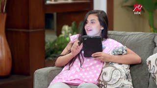 عادل يضحك على رانيا وياسمين ويبحث عن عمل كمراسل تليفزيوني