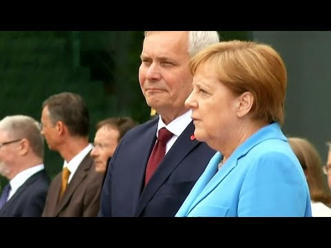 Angela Merkel: Erneuter Zitteranfall