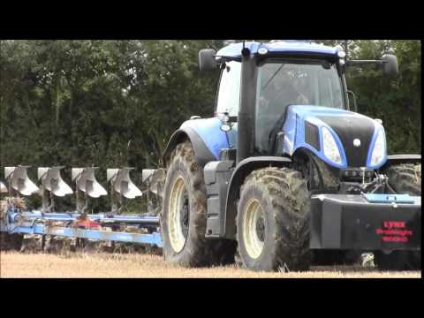 New Holland T8.420 ploughing.2014.wvm