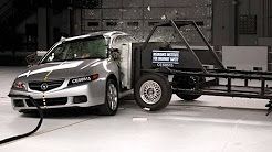 2005 Acura TSX side IIHS crash test