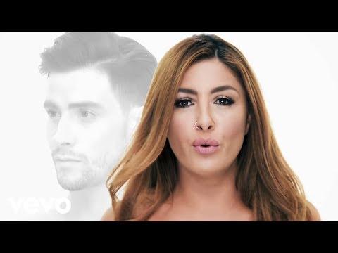 Έλενα Παπαρίζου - Αν Με Δεις Να Κλαίω (Official Music Video) ft. Αναστάσιος Ράμμος