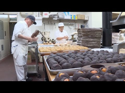 Chinese Bakery In Los Angeles Serves Up 80 Years Of Sweet Tradition