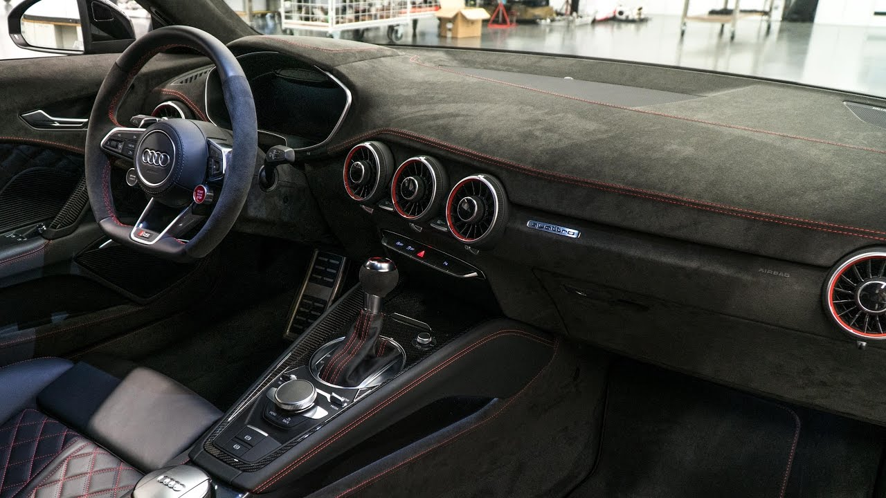 Audi tt rs das interieur ist fertig youtube for Interieur audi tt
