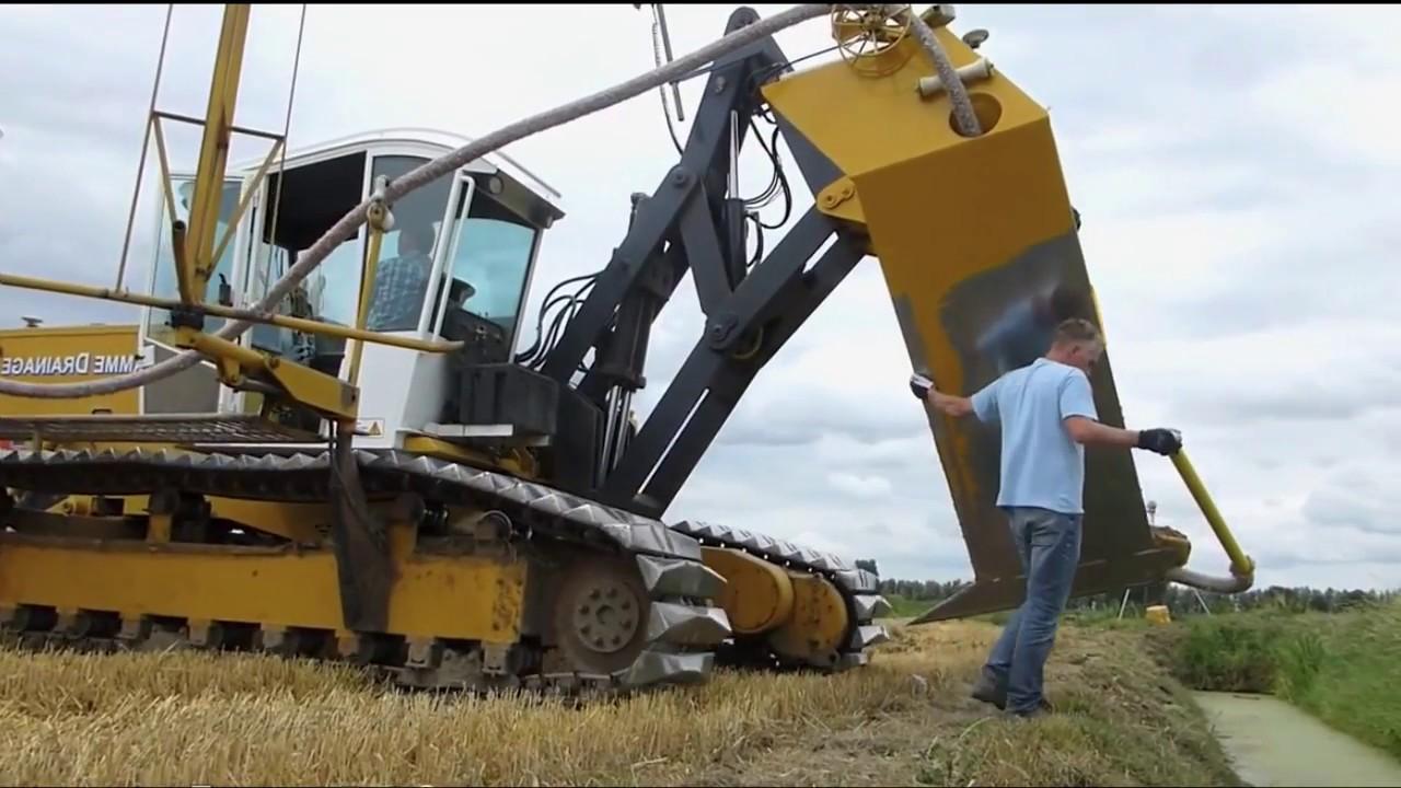 Świat wielkich maszyn rolniczych - drenaż pola