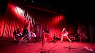 Танец студентов-зомби