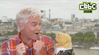 Phillip Schofield and Gordon the Gopher reunited again!