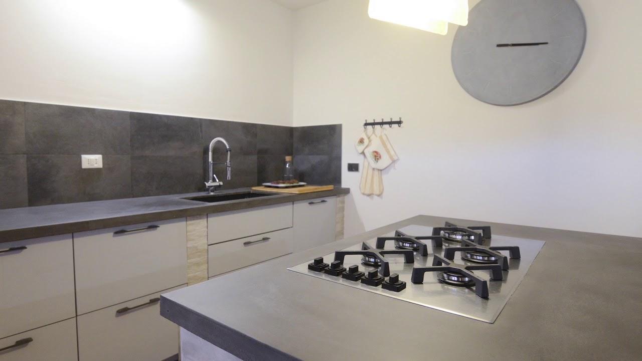 Top Cucina In Resina piano cucina in cemento | una grande isola per tutta la famiglia