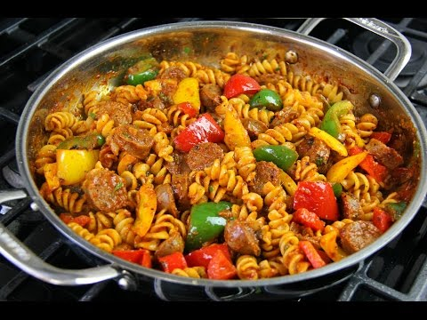 Spicy Pasta Sauce With Sausages & Sweet Peppers - Chris De La Rosa