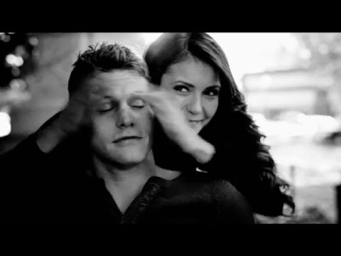 Elsa & Glenn Medeiros- Un Roman d'Amitié (Clip Officiel)de YouTube · Durée:  4 minutes 34 secondes