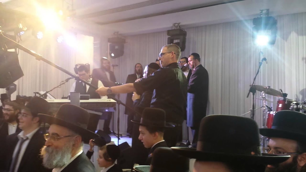 Levy Falkowitz and The Shira Choir - Second Dance