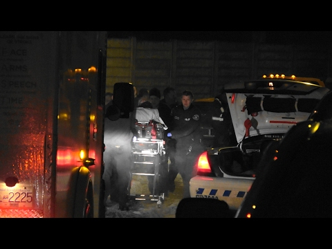 RCMP police officer injured, recovering stolen pickup truck. Coquitlam City (4K) (Videos-2 of 2)