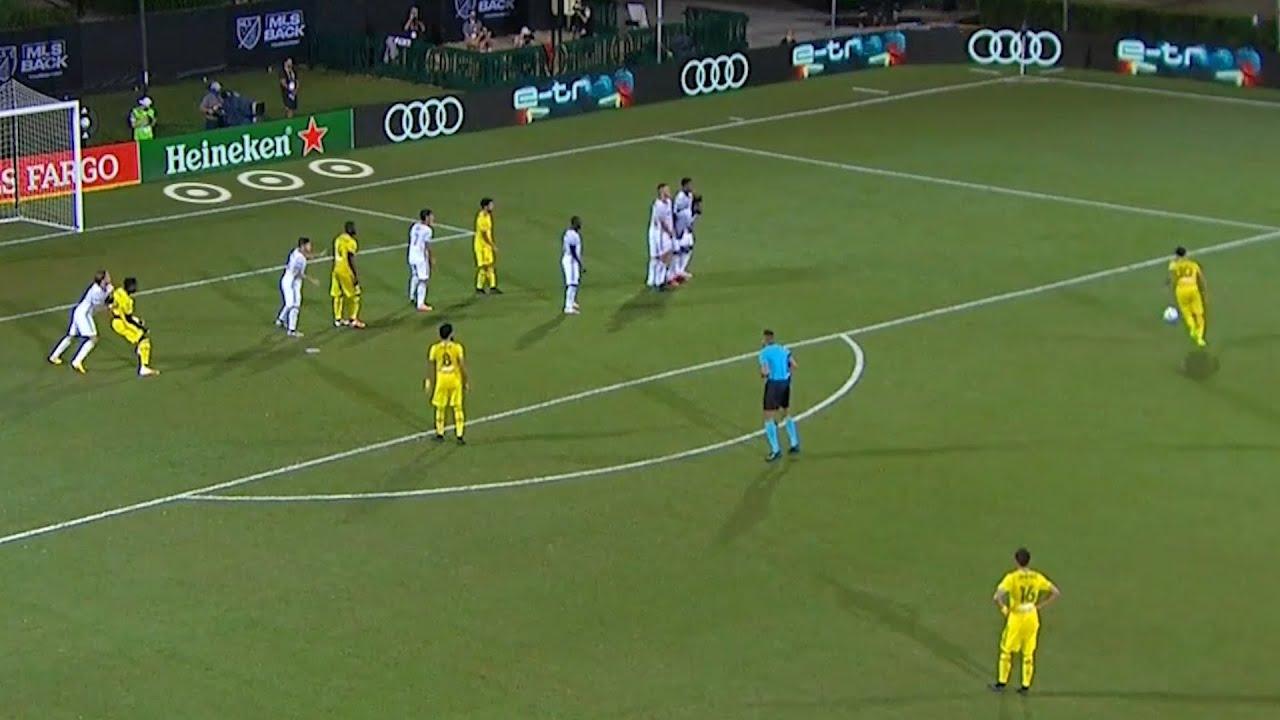 Lucas Zelarayan's Beautiful Free Kick Goal off the Post