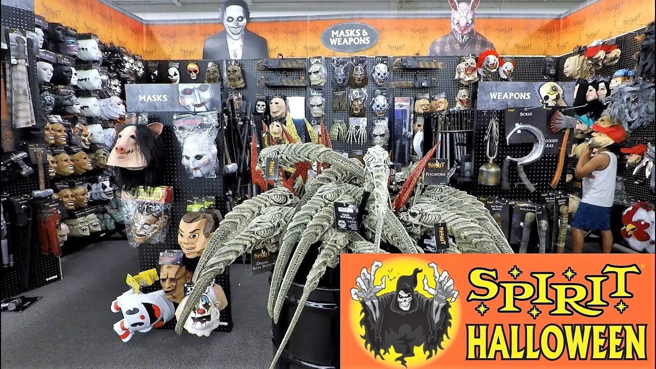 SPIRIT HALLOWEEN 2018   MASKS AND WEAPONS SECTION   Halloween Costumes  Halloween Shopping 4K