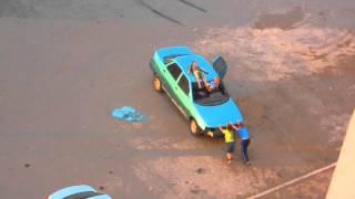 Дети угоняют авто(Это видео создано с помощью видеоредактора YouTube (http://www.youtube.com/editor), 2015-09-07T22:29:13.000Z)